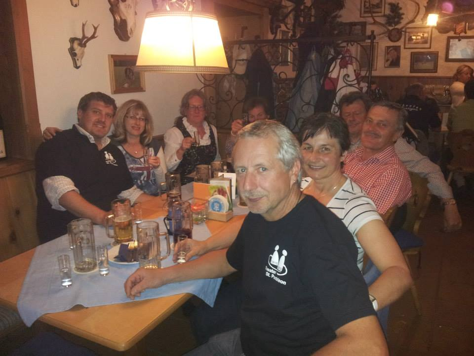 Theaterausflug 2013 - Abendessen Gruppe - St.Pantaleon